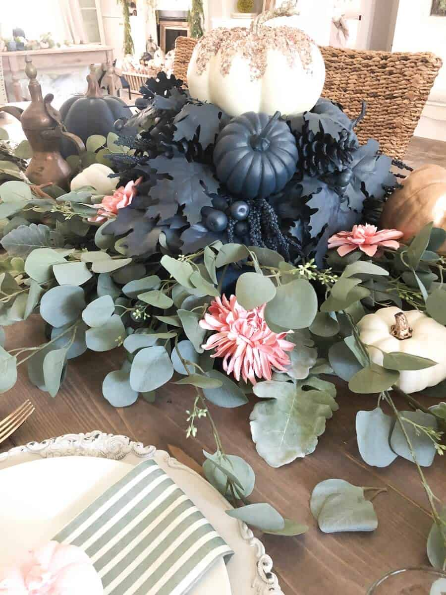 Inexpensive Fall Tablescape with pumpkins